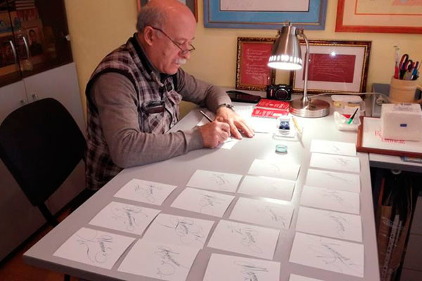 "The letters ""on pointe"". Yaroslavl citizens ranked among the best calligraphers in the world"