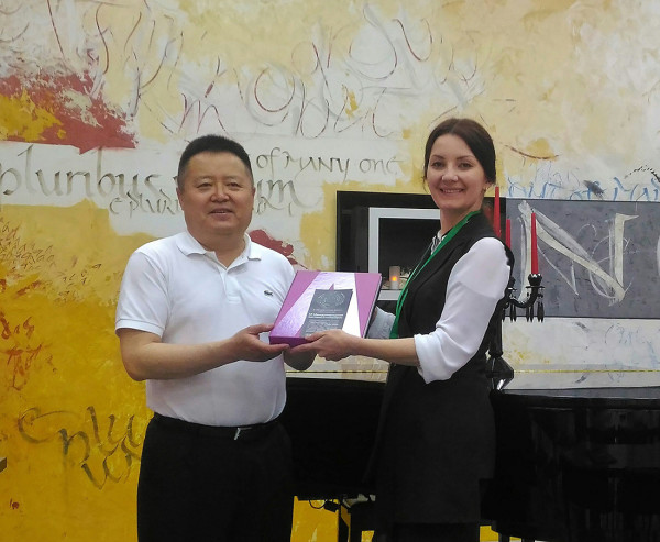 International Association of Mongolian Calligraphy visits the Contemporary Museum of Calligraphy