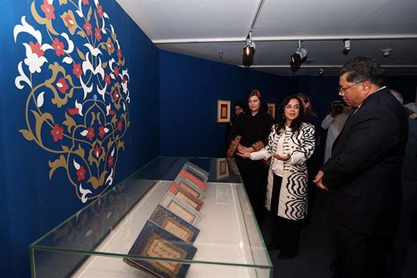 沙迦举办罕见波斯书法艺术展