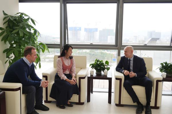 现代书法馆代表团成为深圳美术馆首批国外客人