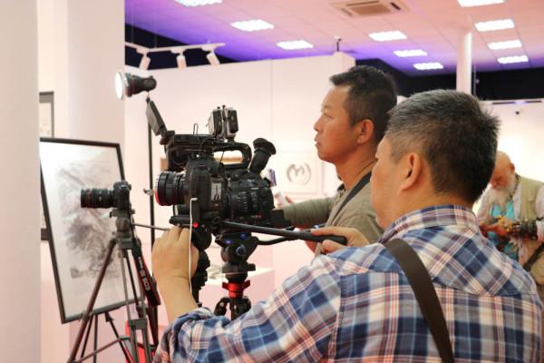 中国中央电视台在现代书法馆拍摄纪录片