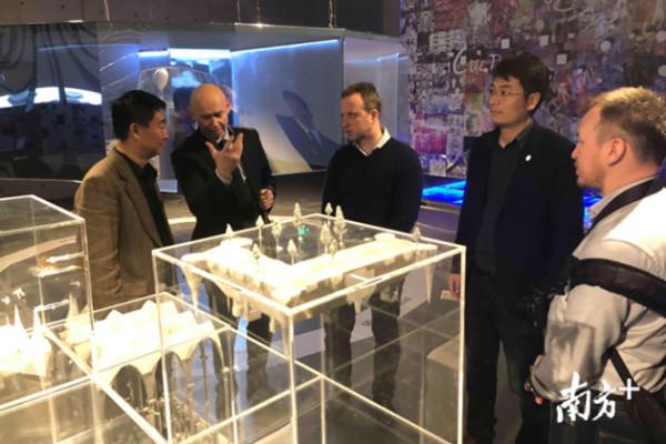 Директор российского Современного музея каллиграфии специально приехал, чтобы посетить художественный музей Пиншань