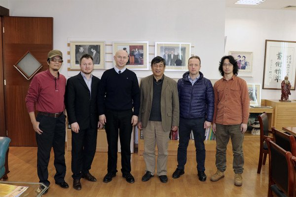 Museum team visits Foshan City Calligraphers Association