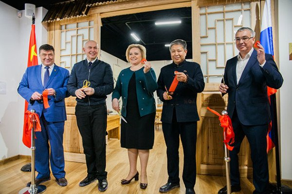 An opening ceremony of the Cabinet of Calligrapher named after Li Hui, took place at the Russian gusli and Chinese Art guqin Museum