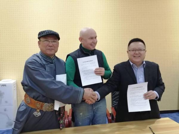 Директор Современного Музея каллиграфии (Россия) посетил Музей монгольской письменности в г. Ордос