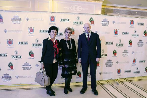 Всемирный клуб петербуржцев поддержал проведение выставки «Великая китайская каллиграфия и живопись»