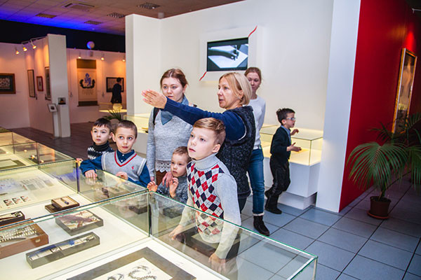 Charity museum tours continue