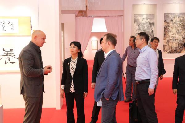 中国哈尔滨代表团参观索科利尼基会展中心