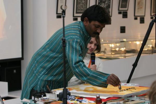 Первый мастер-класс выставки дал Манохар Десаи