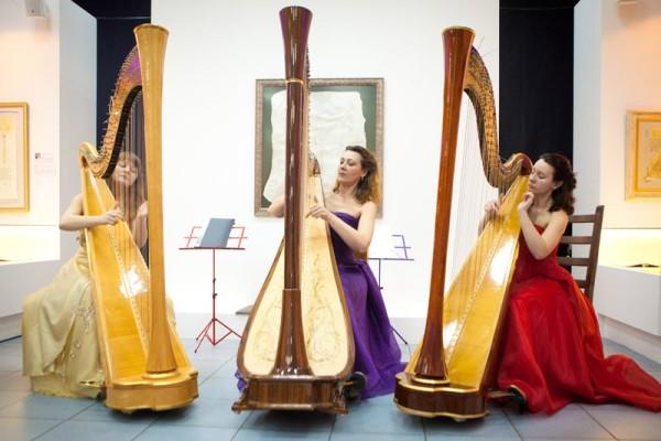 Концерт «Арфа: от барокко до джаза» с успехом состоялся в Современном музее каллиграфии