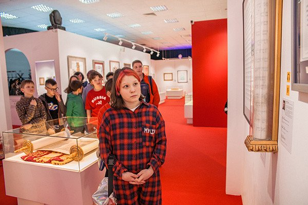 Excursions for schoolchildren continue at the World Calligraphy Museum