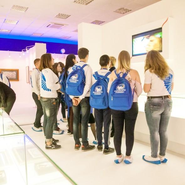 Экскурсия для «Волонтеров Победы»