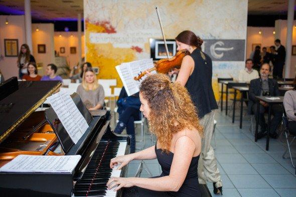 羽毛笔、小提琴和钢琴:《书写莫斯科》展览开幕