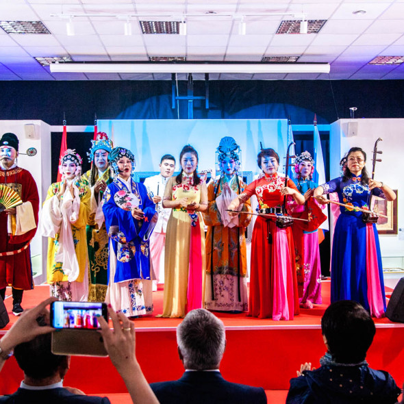 "Performance of Chinese ""Shandong ensemble of Lu theater"" at the Contemporary Museum of Calligraphy"