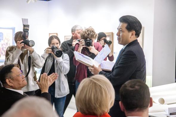 Презентация китайской национальной выставки «Великая Китайская каллиграфия и живопись»