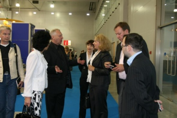Peter Greenaway, the legendary film director visited the Rosupak exhibition, hosting the International Exhibition of Calligraphy presentation