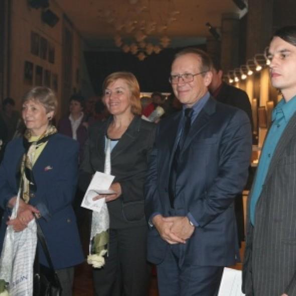 在莫斯科国际关系学院推介国际书法展