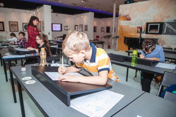 National School of Calligraphy gave classes for children