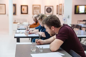 Arabic calligraphy master class held in the Museum