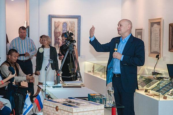 Презентация китайской национальной выставки «Великая Китайская каллиграфия иживопись»