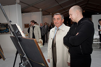 Director of Contemporary Museum of Calligraphy Meets with Veliky Novgorod Mayor