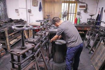 现代书法博物馆代表参观黄山油墨厂