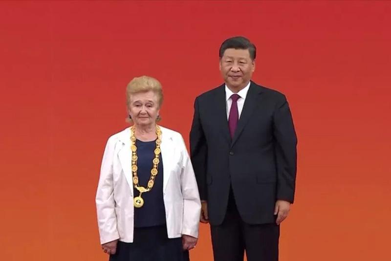 Галина Вениаминовна Куликова получила орден Дружбы КНР лично изрук руководителя КНР Си Цзиньпина