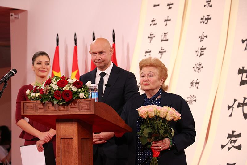 Галина Вениаминовна Куликова — одна из почетных гостей на  выставке «Великая китайская каллиграфия и живопись»