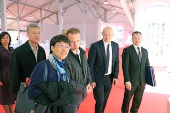 Делегация из посольства КНР оценила высокий уровень подготовки к выставке «Великая китайская каллиграфия и живопись»