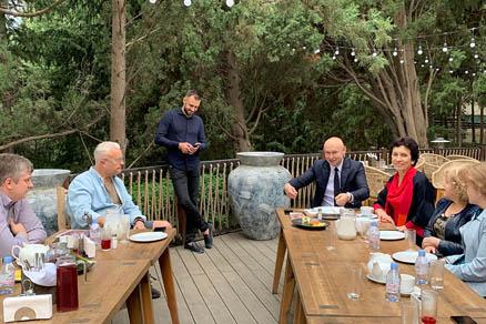 Участники Ассоциации частных музеев встретились с Александром Лебедевым