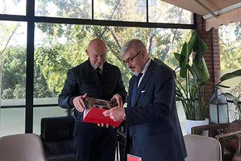Alexey Shaburov met with Consul General of Russia in Shanghai