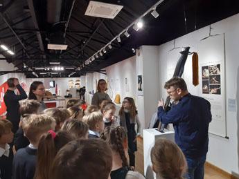 Музей русских гуслей и китайского гуциня провел интереснейшую экскурсию и мастер-класс для учеников московской школы