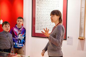 Экскурсия с мастер-классом прошла в Музее мировой каллиграфии