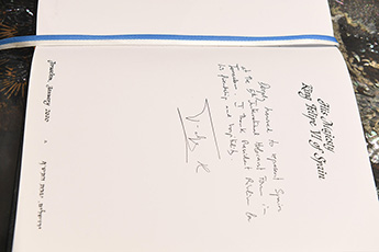 The King of Spain Felipe VI's record in the handwritten Guestbook of the Israeli President.
