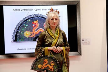 The memorable gift was delivered to the Embassy of China during the final of the Soutache China competition