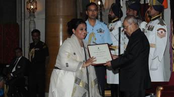 Камар Дагар – женщина, борющаяся за сохранение культуры каллиграфии в Индии