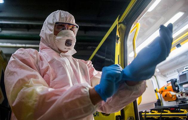 В списке умерших из-за коронавируса медиков, который ведет Минздрав, 101 человек