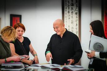 Международная выставка каллиграфии переносится на более поздние сроки