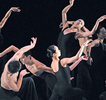 Самый известный хореограф Азии привёз в Москву балет «Курсив»
